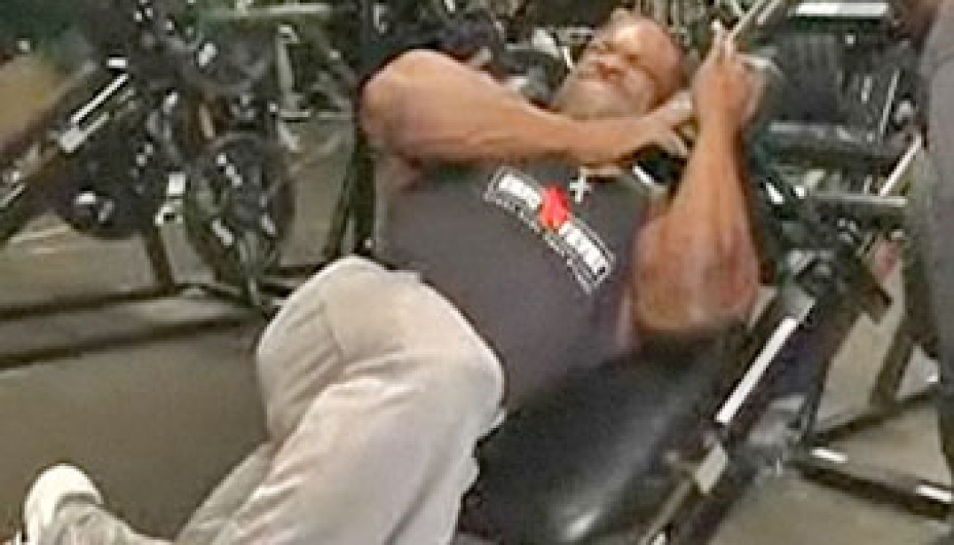 VIDEO: ANTHONY TRAINS LEGS
