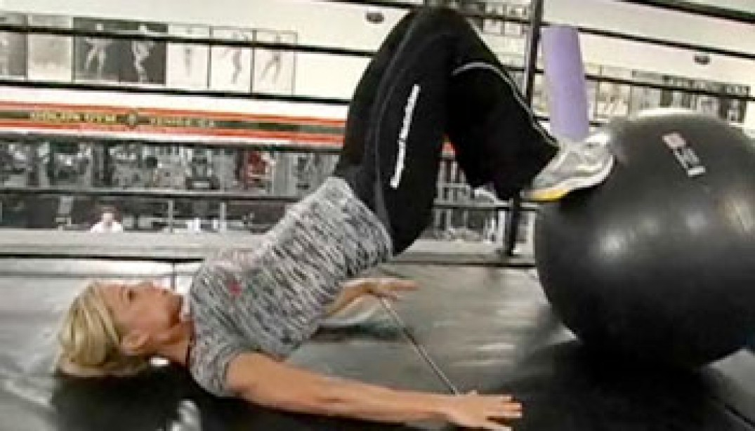 VIDEO: OSTER-THOMPSON TRAINS FOR FIRST PRO SHOW