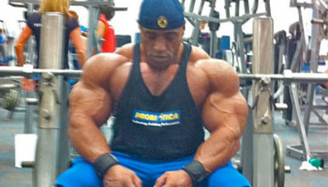 PHOTOS: DENNIS JAMES FOUR WEEKS OUT FROM THE 2010 MR. EUROPE!