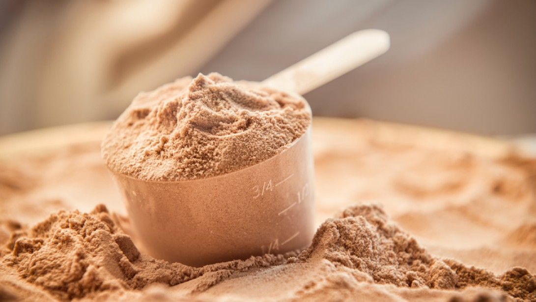 6 Ways to Hack Any Protein Powder Label