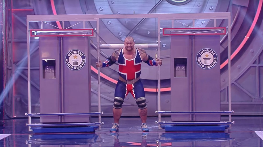 Thor Bjornsson Sets World Record With 992-Pound Fridge Carry