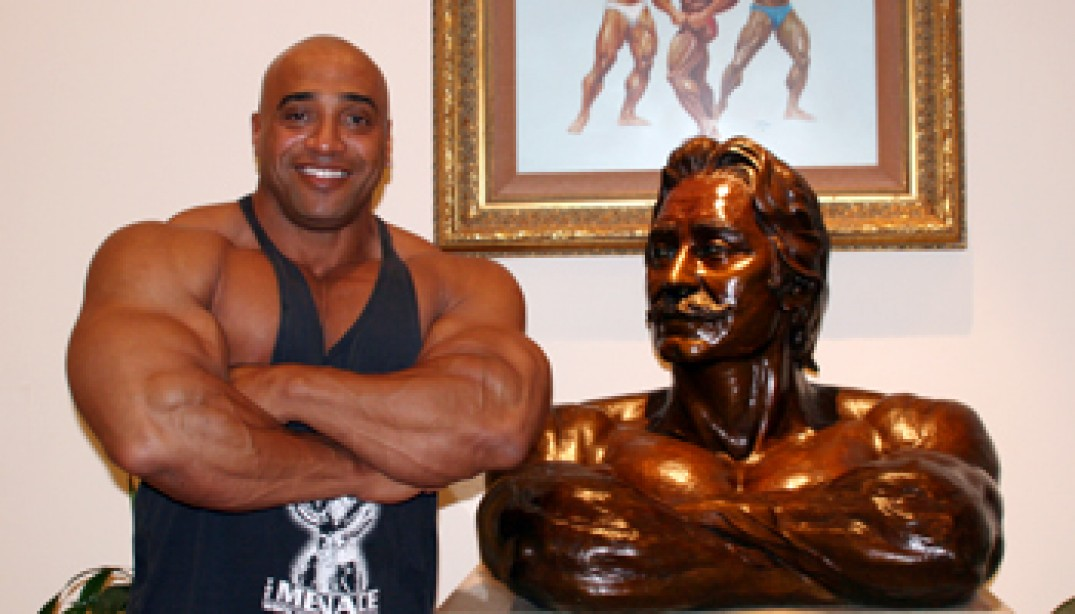 DENNIS JAMES READY FOR ARNOLD