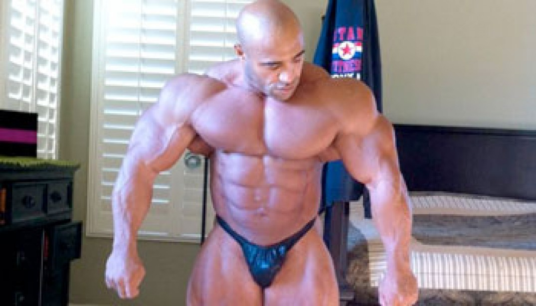 PHOTOS: DENNIS JAMES FIVE WEEKS OUT FROM 2010 MR. EUROPE!
