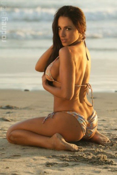 Bikini Model Search Month 3 Winner: Lila Romero