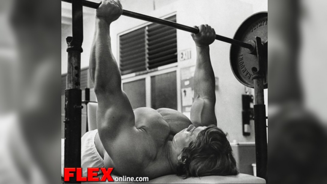 Arnold Schwarzenegger, the Bodybuilding King of Supersets!