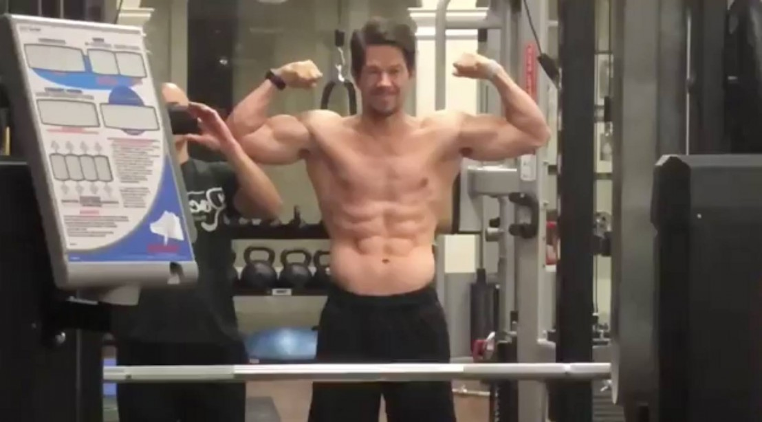 Watch: Ageless Mark Wahlberg looks chiseled in the gym