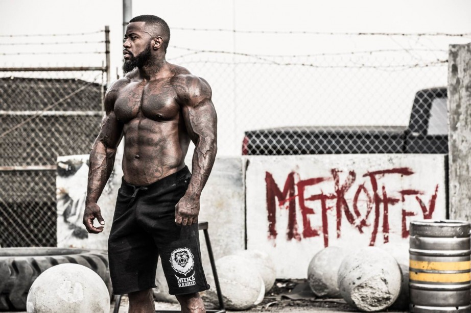 7 Reasons to Put Fat in your Protein Shakes
