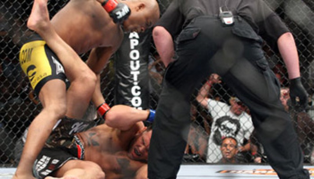 UFC FIGHT NIGHT RESULTS AND PHOTOS