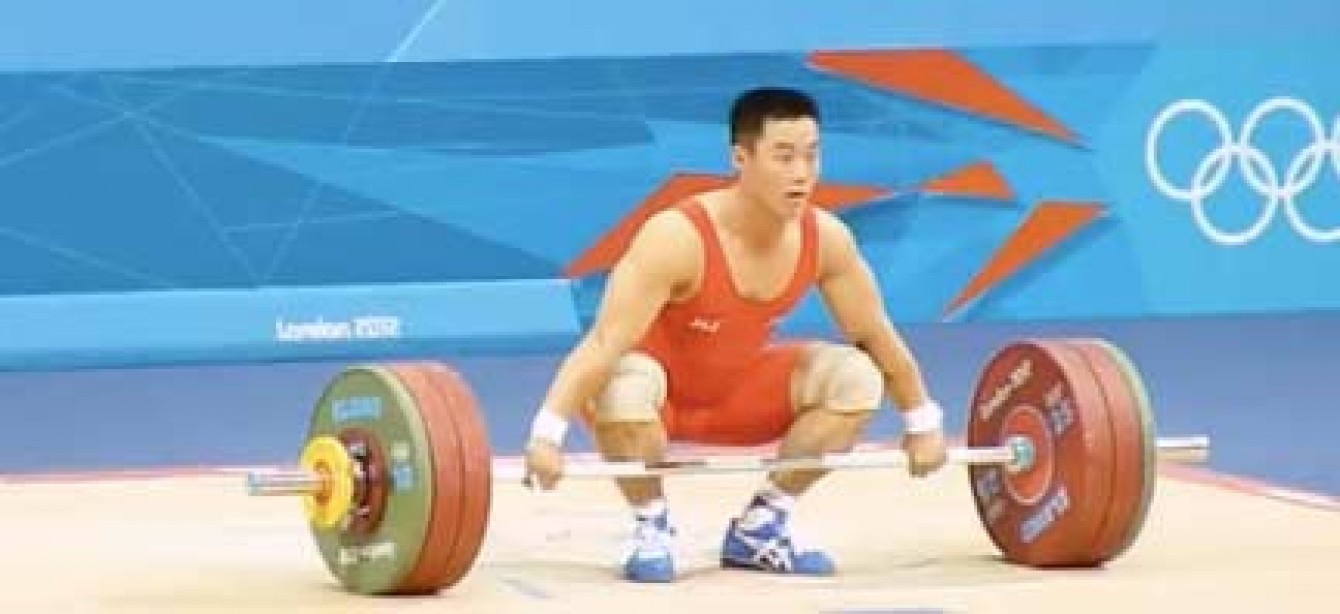 Kim Un Guk Sets World Record in the 62 kg Weightlifting Class at London 2012