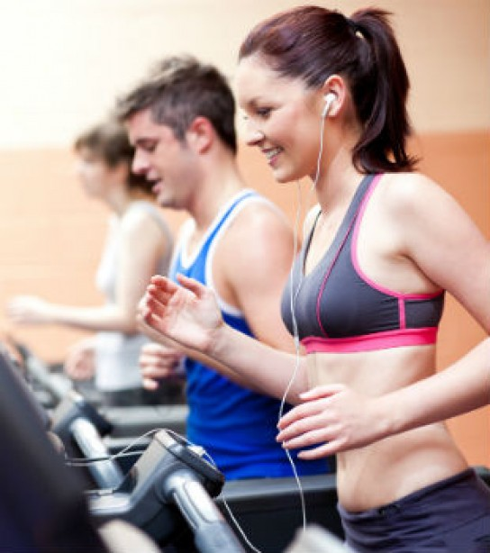 The Right Way to Pick Her Up at the Gym | Muscle & Fitness