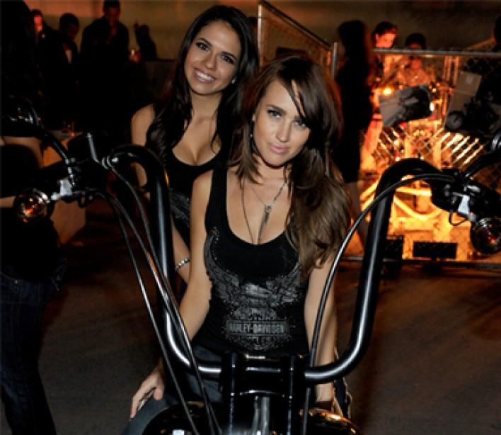 you-tube-sexy-girls-back-riding