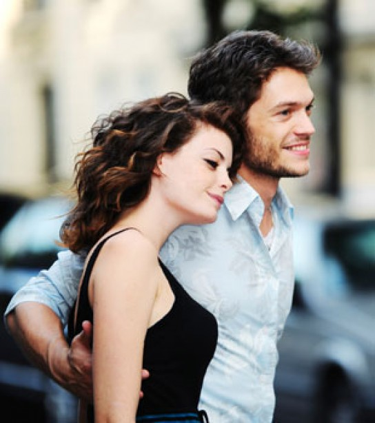 From Online to In-Person: Navigating the First Date