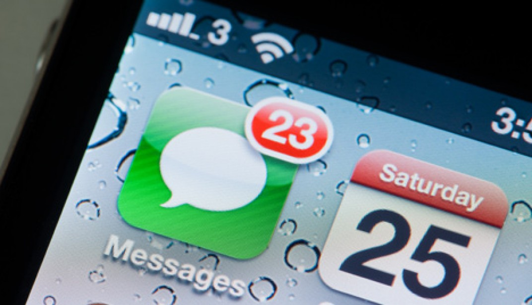 10 things you should never text a woman