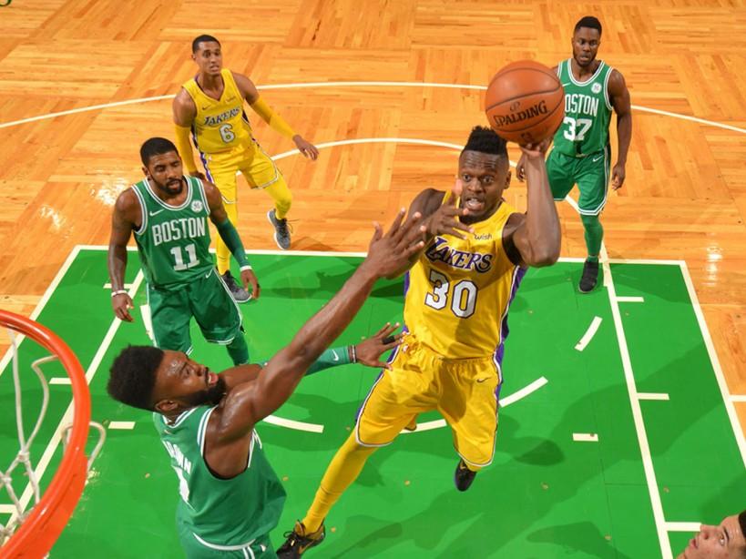 Julius Randle of the Lakers