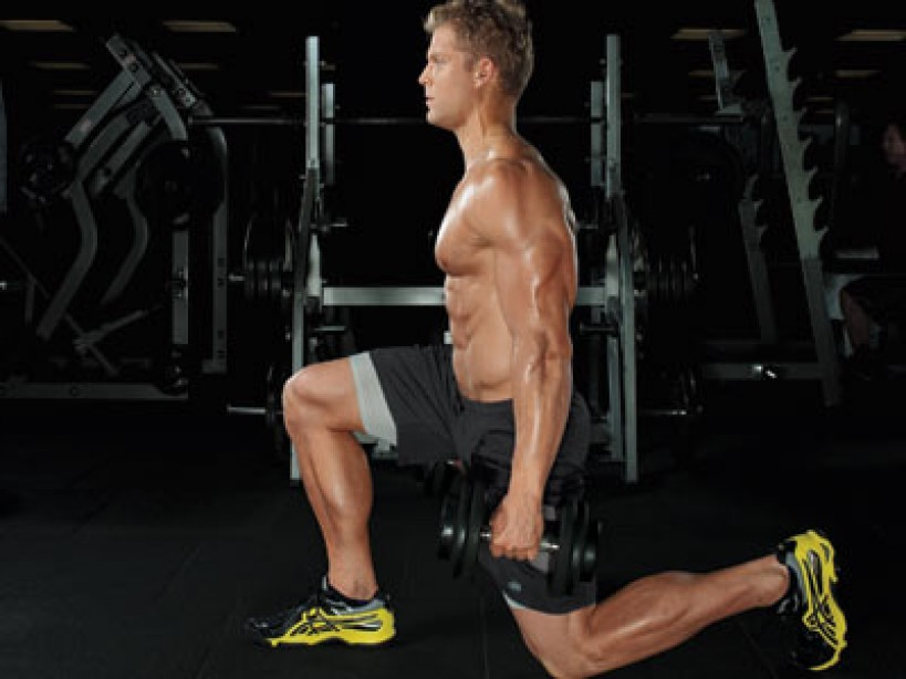 Knee Saver: Go Easy on Your Knees With the Alternating Dumbbell Lunge