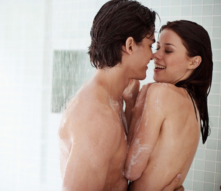 AGNES: Pictures of shower sex