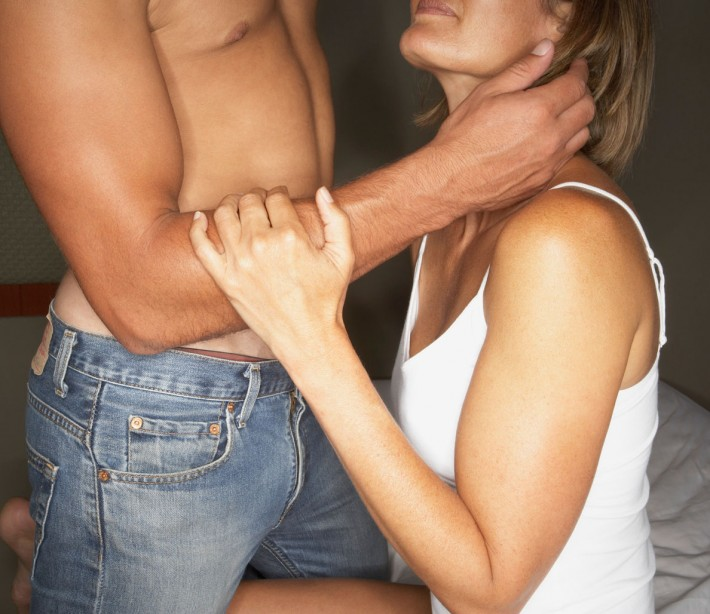 How do I tell my girlfriend she needs to improve her oral sex?