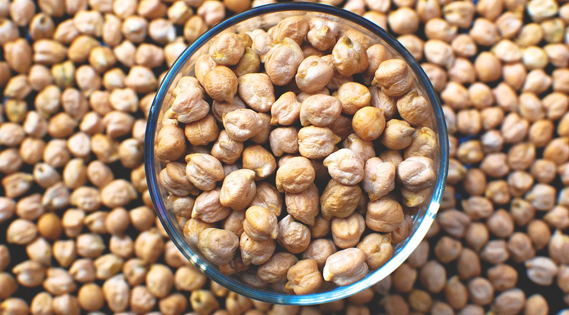 1109 Chickpeas Garbanzo GettyImages 1071386628