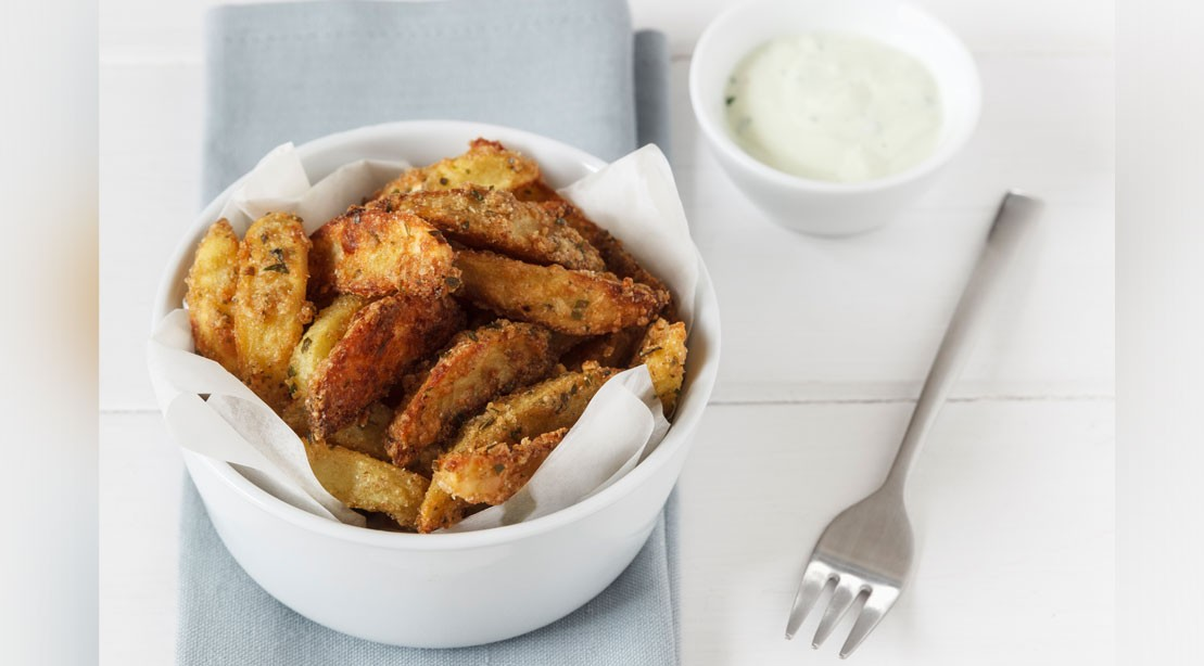 Avocado Fries and Creamy Yogurt Dipping Sauce