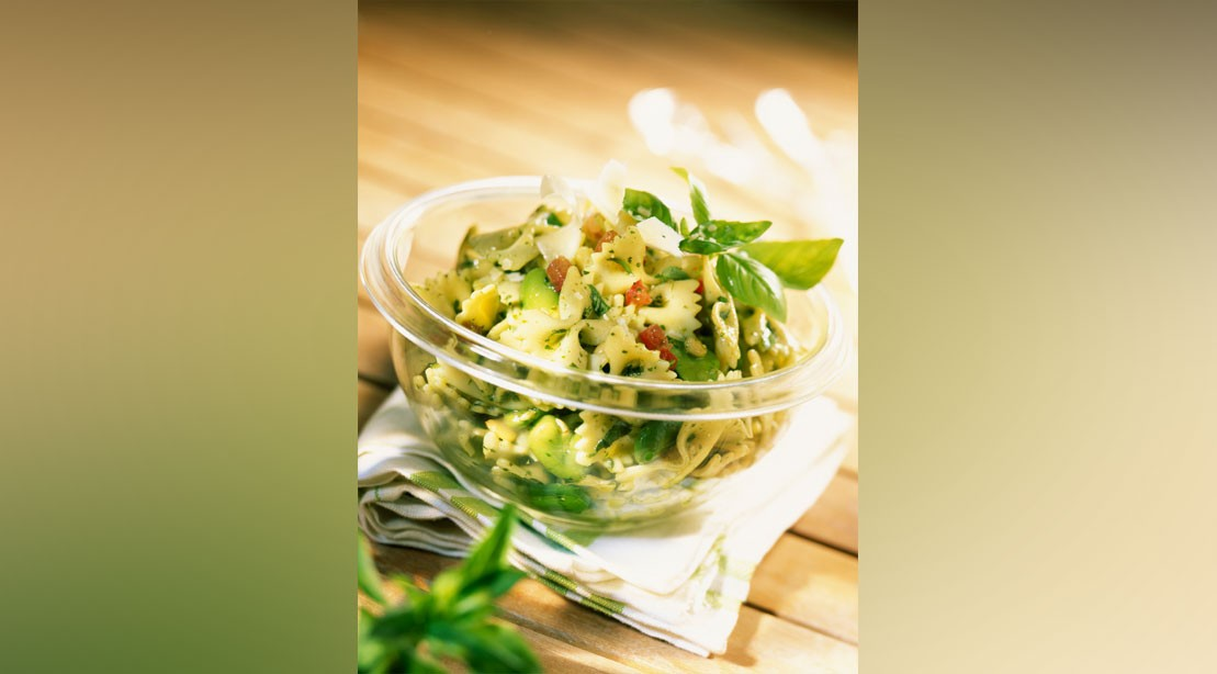 Farfalle With Chicken and Pesto