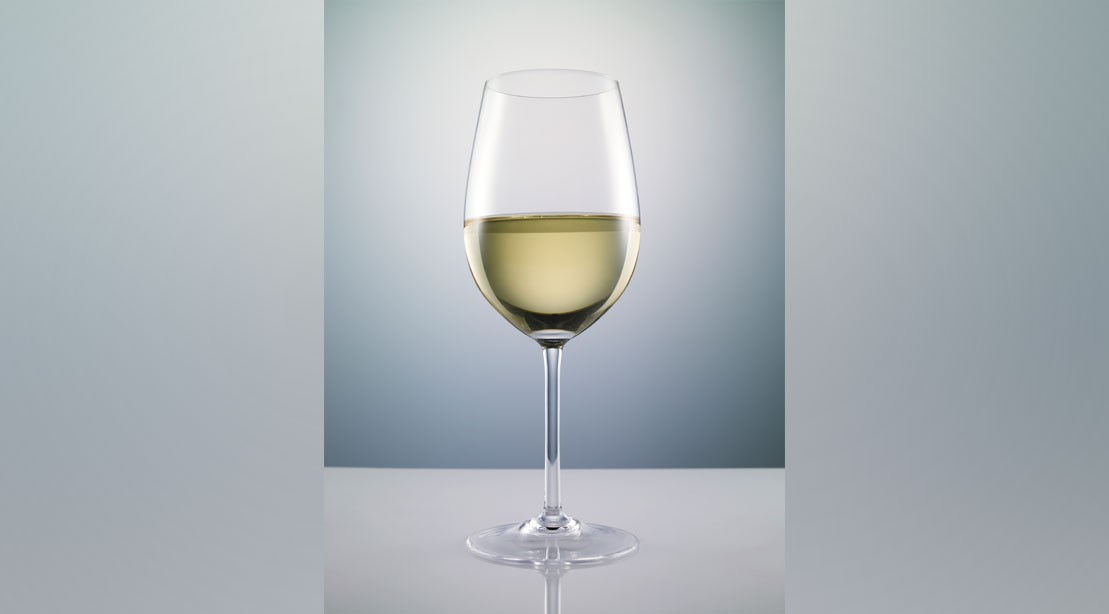 Drinking White Wine May Increase Risk of Rosacea