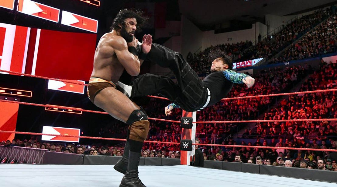 Jinder Mahal and Jeff Hardy face off on Monday Night Raw on April 17, 2018.