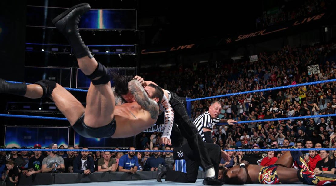 Randy Orton and Jeff Hardy wrestle on WWE 'SmackDown Live' on 1 May 2018