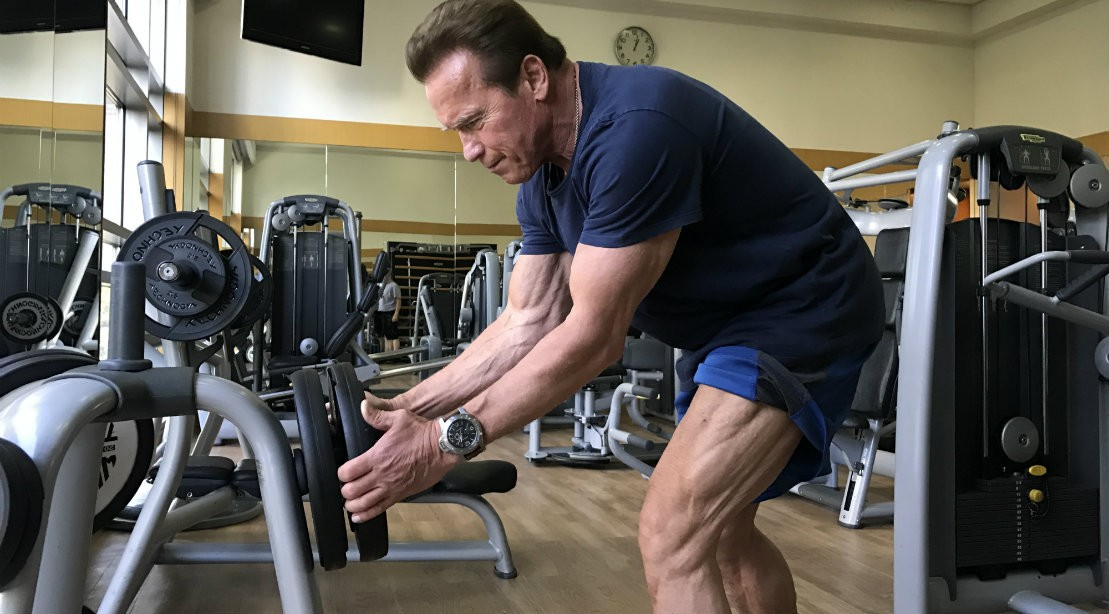 Muscle & Fitness Exclusive: Arnold Spotted Hitting the Weights