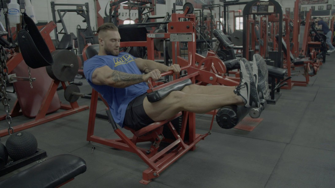 Classic Physique Star Chris Bumstead's Off-Season Leg Training