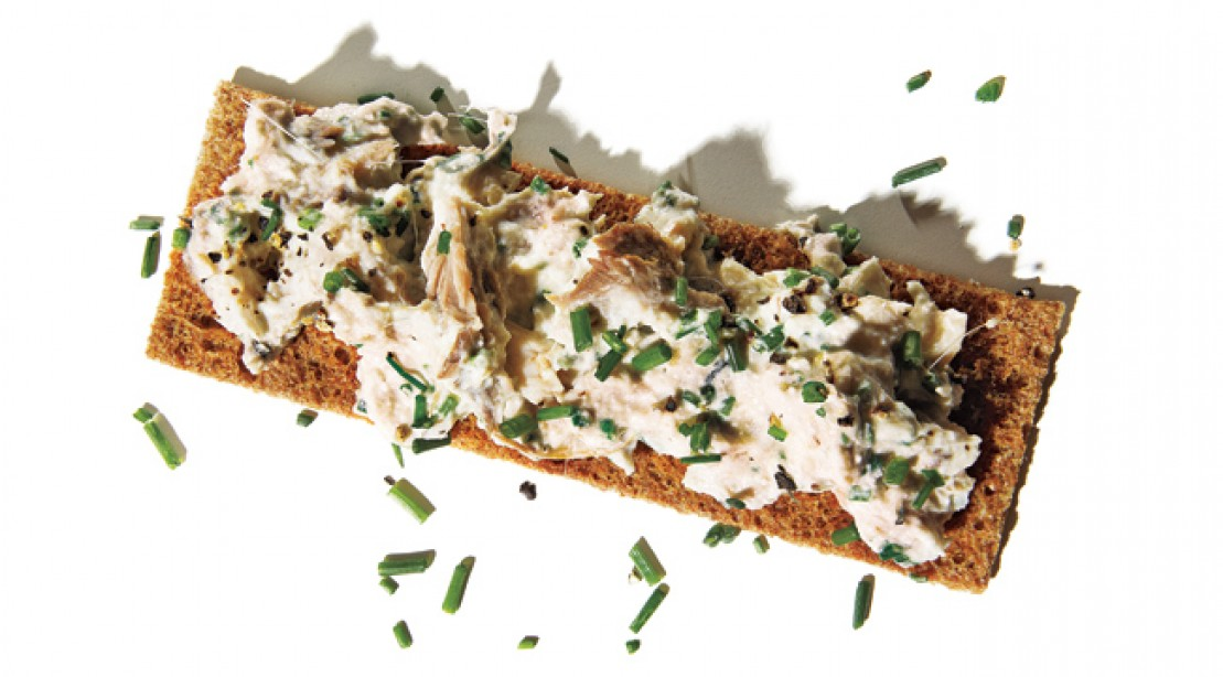 Power Snack: Cheesy Sardines on Crackers
