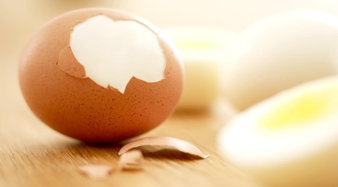 قشر البيض المسلوق