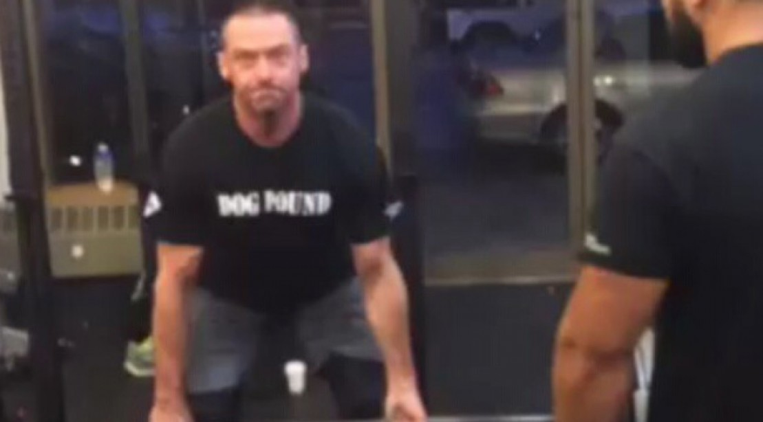 Hugh Jackman Deadlifts 5 Reps of 405 pounds | Muscle & Fitness