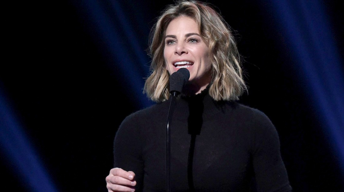 Jillian-Michaels-Giving-Speech-Wearing-Black-Shirt