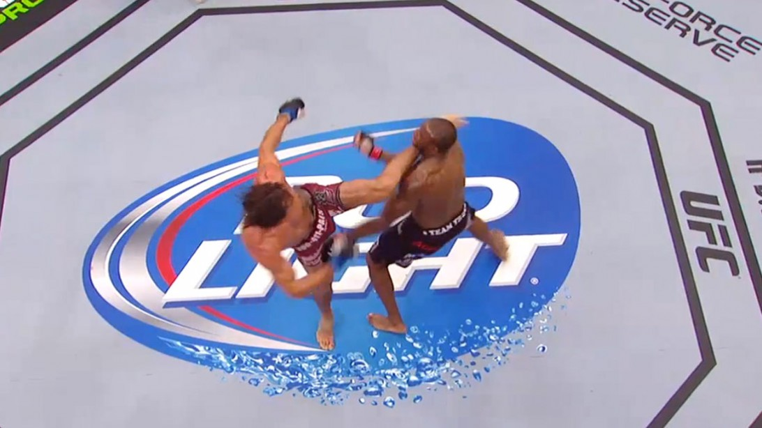 Josh Samann KOs  Eddie Gordon at UFC 181