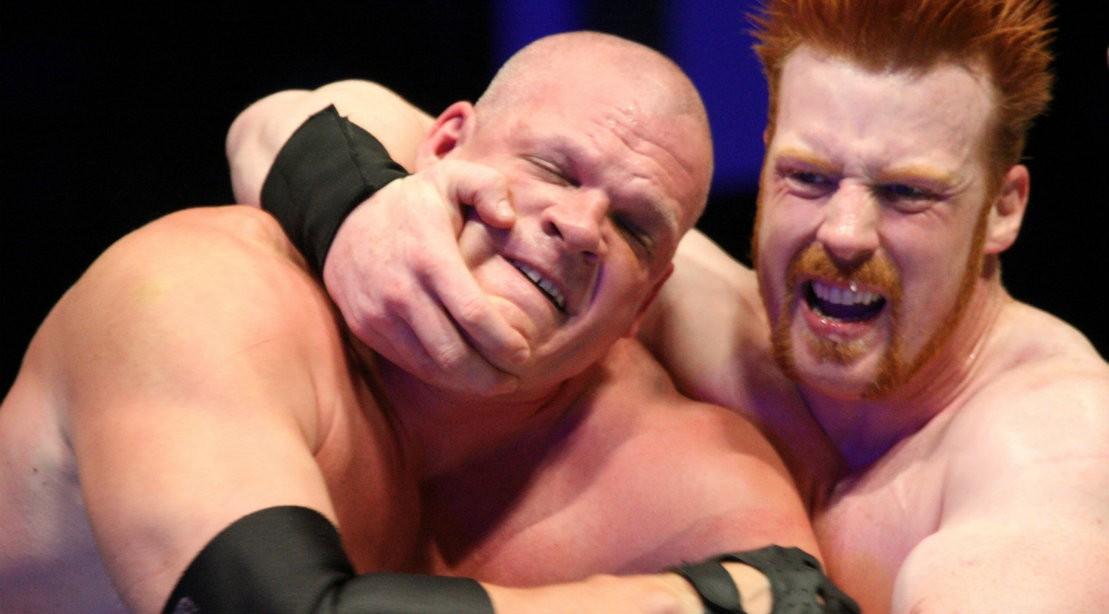 WWE Kane In Headlock During Match