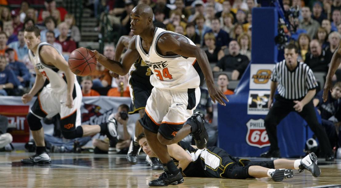 Melvin Sanders Dribbling Basketball