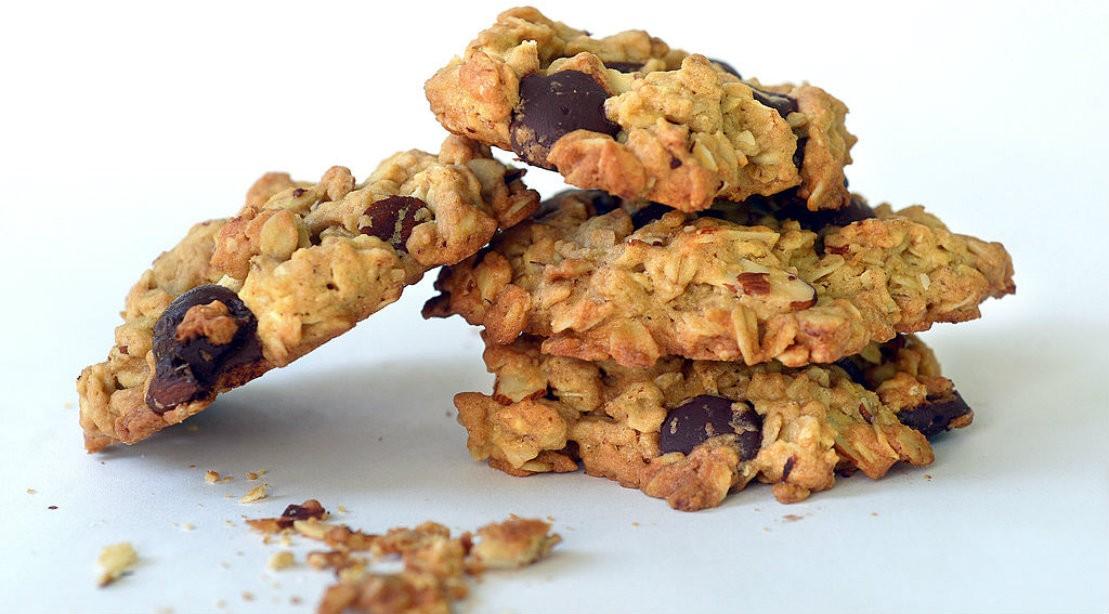 Muscle-building Dessert: 5-Ingredient Protein Cookies