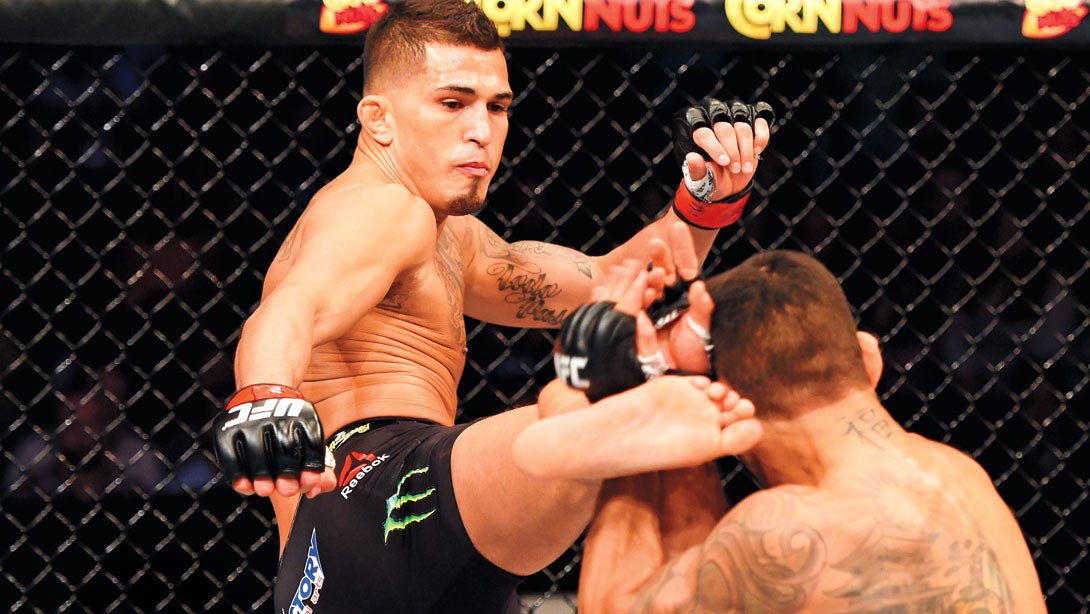 anthony-pettis-kick
