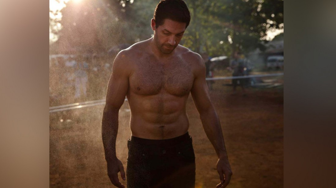 17 times Scott Adkins shredded Instagram with his workouts