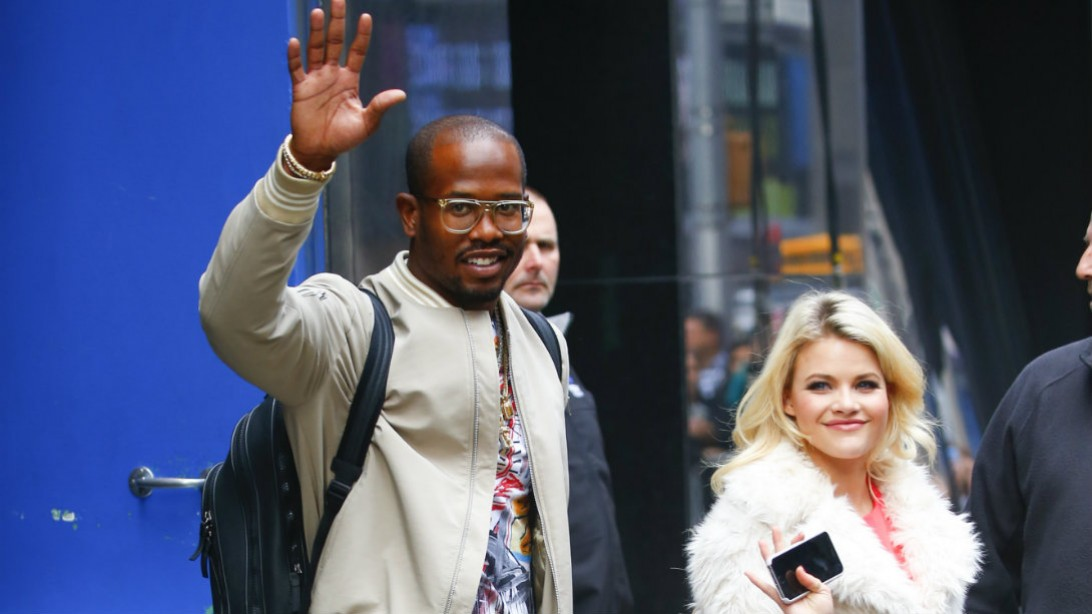 Superbowl MVP, Von Miller Can't Stop Farting on Dancing with the Stars