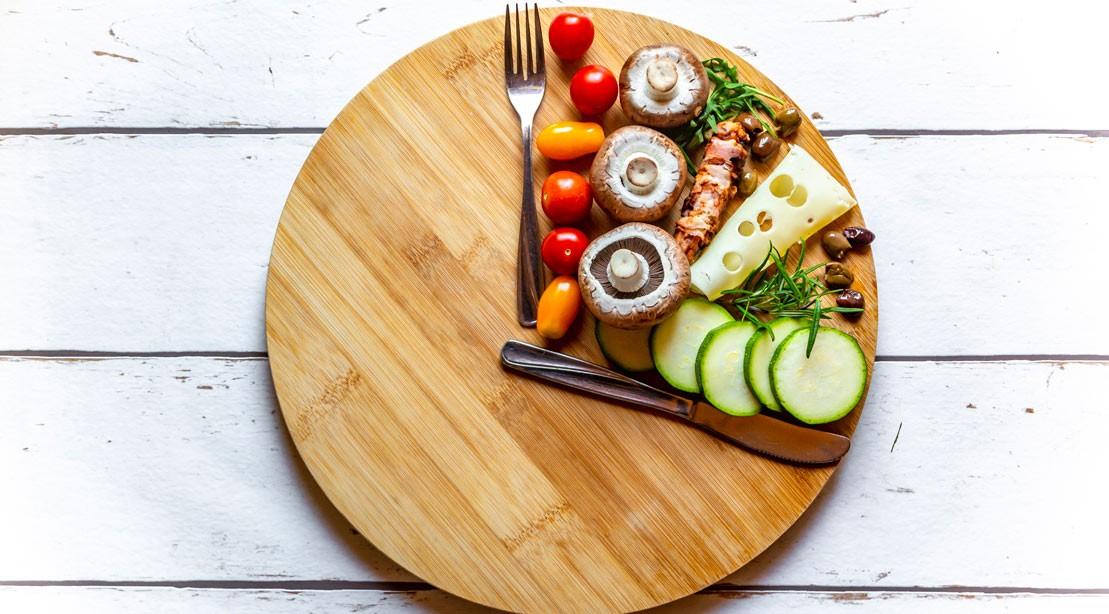 Uma foto de alimentos variados para a dieta Whole30.