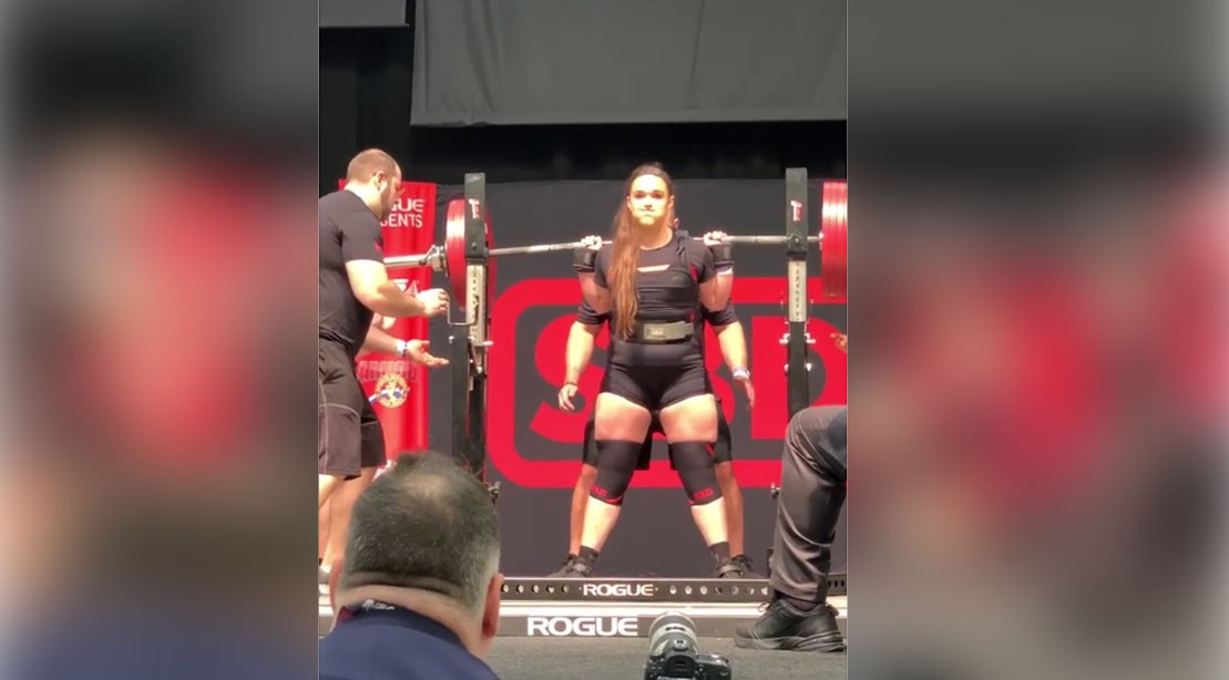 "Amanda Lawrence Crushes Records at the Arnold with Over 500 lb Squat ""title ="" Amanda Lawrence Crushes Records at the Arnold with Over 500 lb Squat ""/>    <div class="