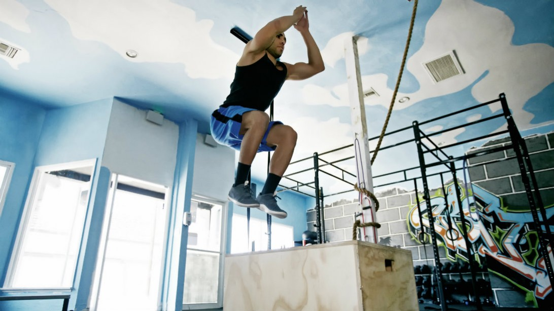 box jump in gym