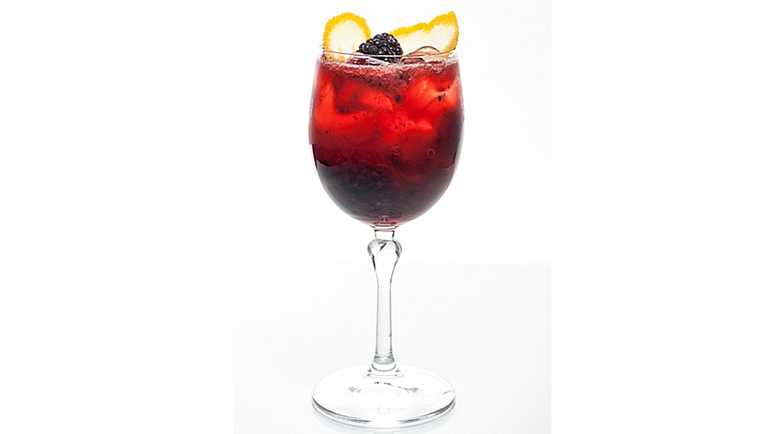 Refreshing Low-Calorie Cocktails to Mix Up This Summer