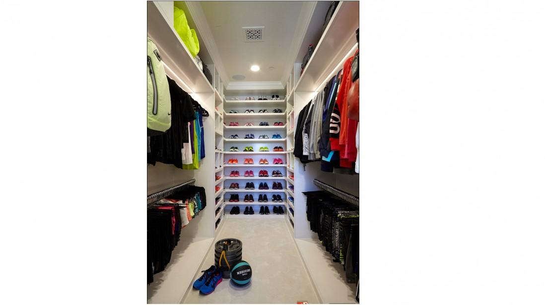 Khloé Kardashian's 150-Square Food Fitness Closet