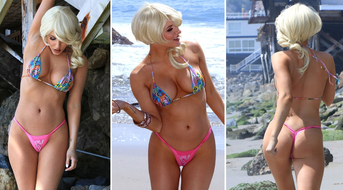 Gabi Grecko Shows Her Stunning Beach Bod | Muscle & Fitness