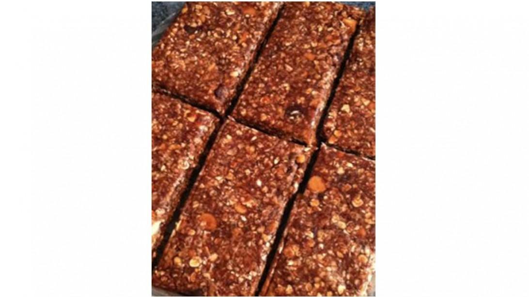 pan of no-bake german chocolate cake bars