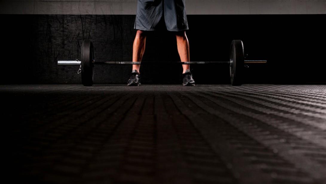 Hamstring Exercise: Sumo Deadlift