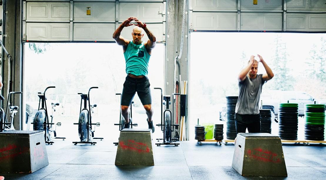 HIIT pode ser a chave para deixar cair a gordura da barriga e construir músculos magros