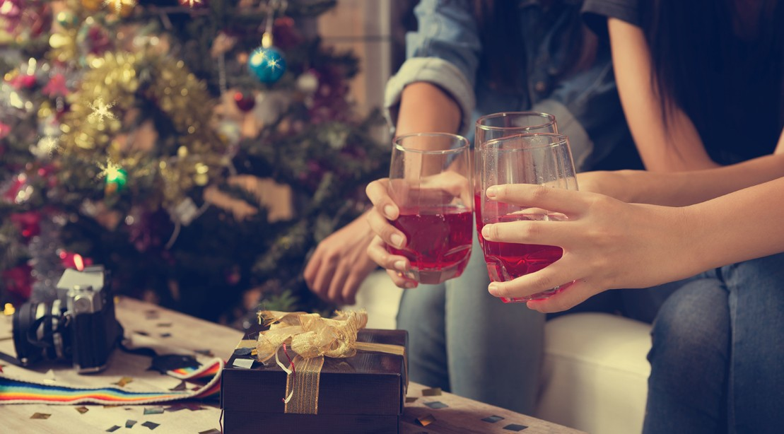Keep Holiday Parties From Derailing Your Diet